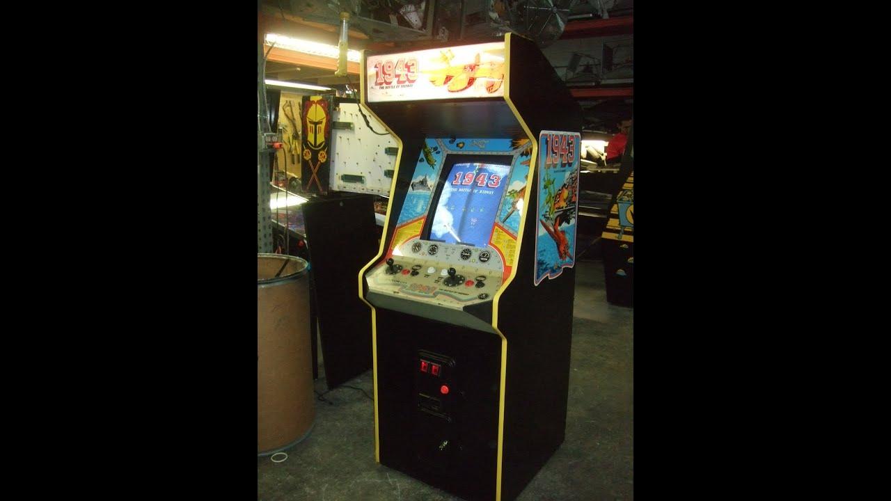 1943 arcade machine
