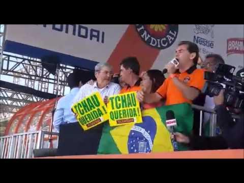 Paulinho da Força reforça pedido de pressão pelo impeachment em Festa do 1º de Maio