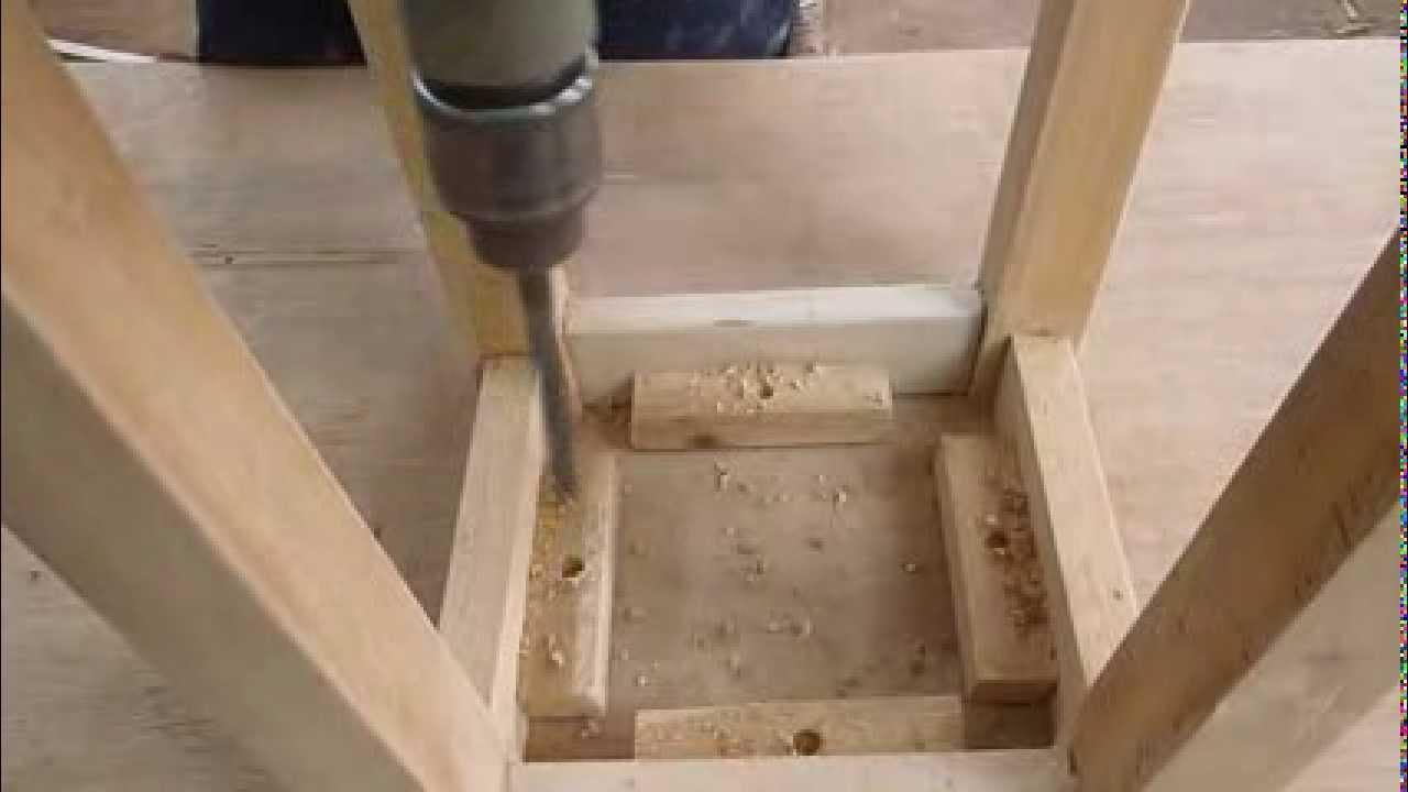 Como hacer una banca de madera facil youtube for Silla que se hace escalera