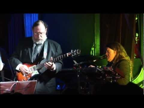 Let's Get It On performed byTom Ryan and Cubensis