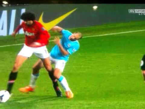 Fellaini Elbow - Manchester City 3 - 0 Manchester United - 25/03/14
