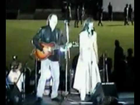 Natalia Oreiro - live before Fifa World Cup - Uruguay - 13.2.2002