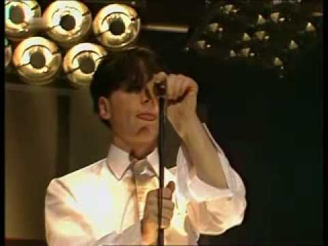 Thumbnail of video Simple Minds - I travel 1980