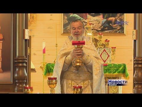 Бердский крестный ход в честь святых Петра и Февронии объединил детей и взрослых, молодежь и пожилых