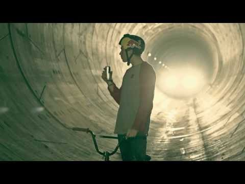 Red Bull Tube Check with Dawid Godziek