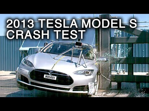 2013 Tesla Model S | Pole Crash Test by NHTSA | CrashNet1