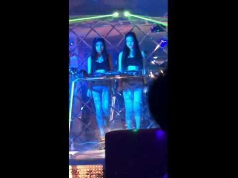 2 nữ DJ Song kiếm hợp bích đánh hay nhảy đẹp