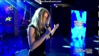 Aleyna Tilki - Uzun İnce Bir Yoldayım