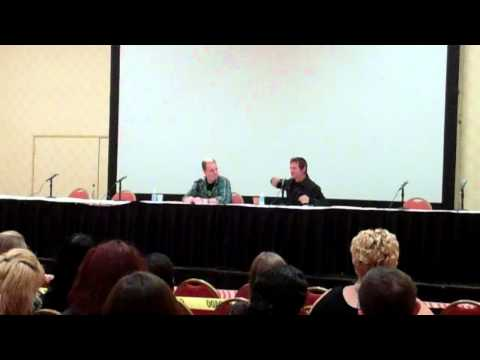 Walking Dead (Norman Reedus) Q&A - Part 6 (Monster Mania 2011)