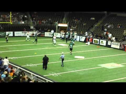 Jared Lorenzen Runs Over 3 Defenders