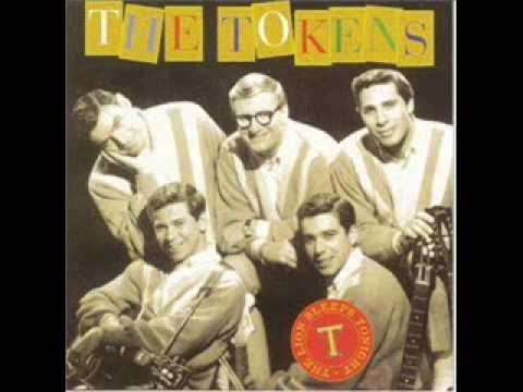 The Lion Sleeps Tonight - The Tokens (1961)