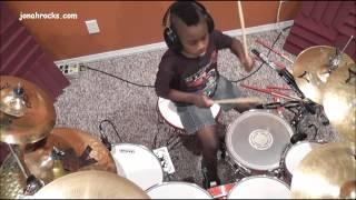 Drummer muda, dia baru 7 tahun umurnya, tapi skill drum nya pro