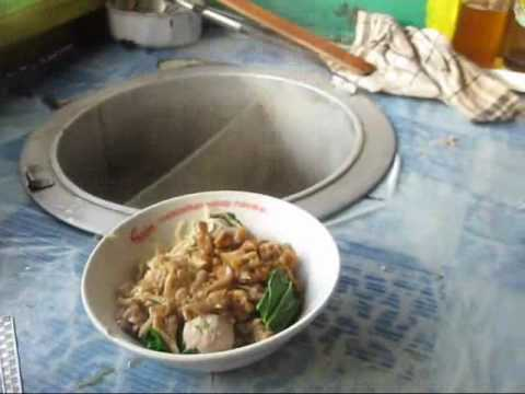 Jakarta Street Food 146 Mie Ayam Bakso Jamur (Meatball Mushroom Chicken Noddle).