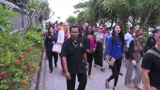 Miss World 2013 contestants visit to Bali's iconic Tanah Lot temple