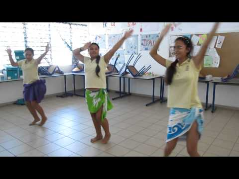 1 = COMENIUS danse tahitienne GIRLS CADIX 2014