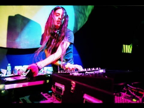 BASSNECTAR DESTROYS THE VILLAGE - SHAMBHALA 2011