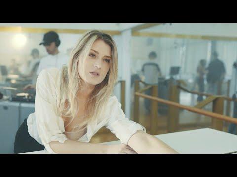 Lea Danis feat. CELØ - Closer