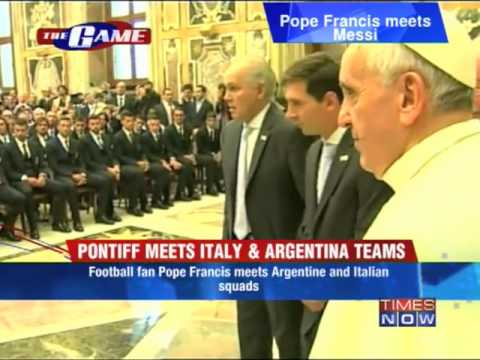 Messi meets Pope Francis at Vatican