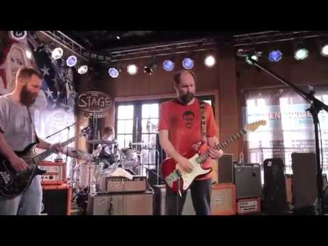 Built To Spill playing Broken Chairs