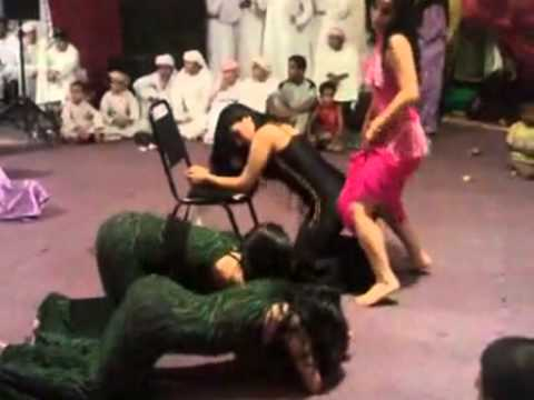 (معلايه‎) Arabic Dance at a Wedding