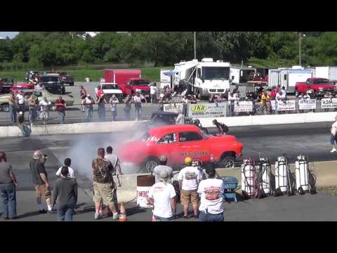 Hemi coupe vs big orange cecil nostalgia drags 6-14-14