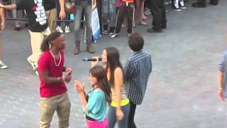 Amazing VICTORIOUS Cast Flash Mob! Victoria Justice & Crew