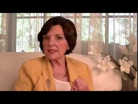 Menopause Symptoms / Menopause Relief / Natural Menopause Treatment - Dr Maura McGill