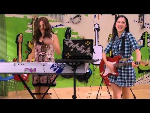 Violetta :Momento musical - Francesca y Camila cantan Veo veo