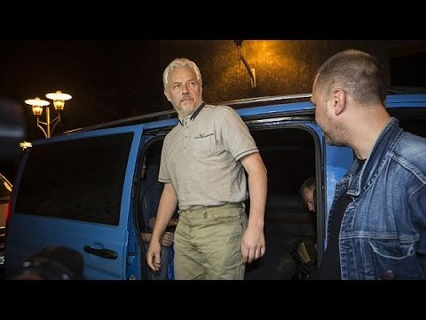 Ukraine rebels free four kidnapped OSCE observers