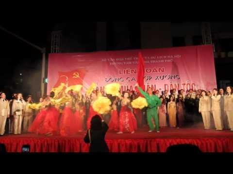 Ca ngoi to quoc-Thang huong tuong lai hop xuong quan Hoàn Kiếm 2012.wmv