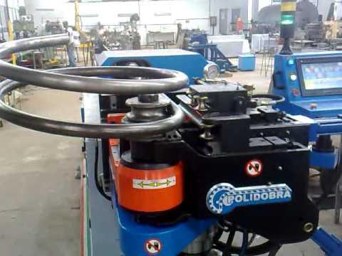 Máquina para dobrar Tubo 5 eixos servos controlados com raio variavél POLIDOBRA.