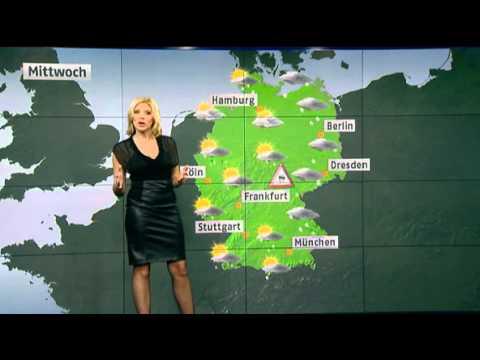Miriam Pede in schwarzem Lederrock N24 Wetter 23.11.2010 2