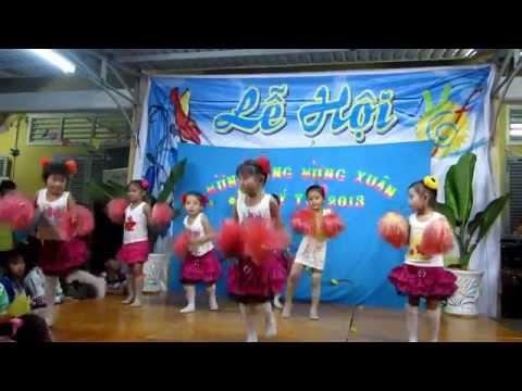 Múa Em bay trong đem phao hoa - MG Long Hữu