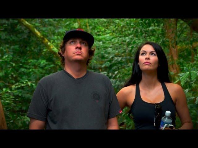 Jason & Amanda Dufner hike rainforest on Maui