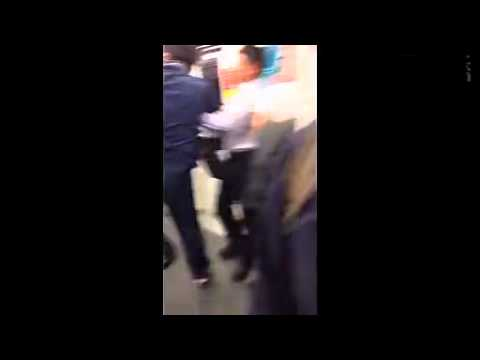 兩個拳擊手居然在地鐵上直接打起來(內有專業講評)