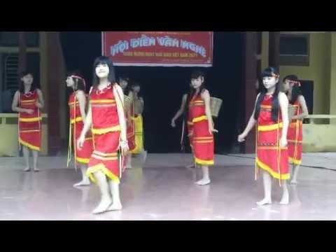 Múa hát Cô giáo em là hoa Ê ban - Lớp 10a7 - Trường THPT Phong Châu - Lâm Thao - Phú Thọ