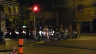 CSGT bắt đua xe đêm quốc tang CN 13/10/13 tại Q.Bình Thạnh (chạy - Wowy)