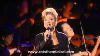 Elaine Paige Performs 'Memory' From Cats Live HD