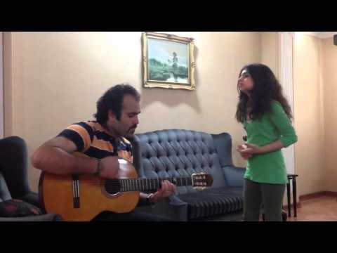 اجرای ترانه زیبای حس مبهم گوگوش توسط این دختر هنرمند ایرانی