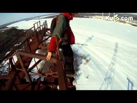 俄羅斯小夥120米低空跳傘失敗