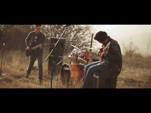 Слушнете го ова! Момците се од Македонска Каменица а звучат светски! Особено 10-годишниот тапанар!