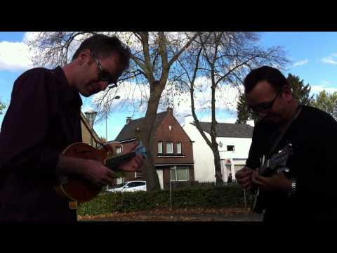 Jeroen Jongsma and Arthur Deighton jamming at Bluegrass Beeg, Grevenbicht 2013
