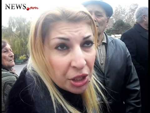 Ani Zakharyan collects signatures demanding resignation of President Sargsyan