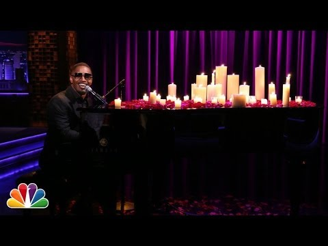 Jamie Foxx Sings Unsexy Words Sexily