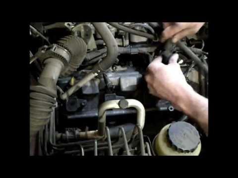 Замена прокладки крышки клапанов на двигателе 2UZ-FE
