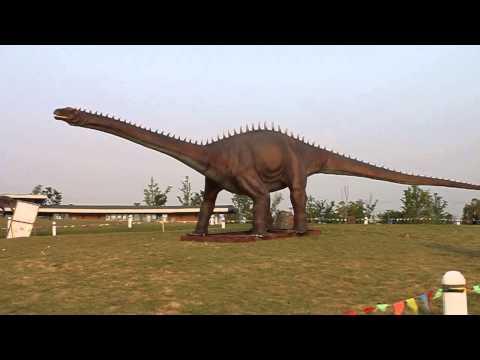 20 meters  diplodocus animatronic dinosaur  made in  www.dino-walk.com
