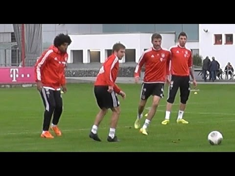 Thomas Müller kidding with Dante - Thomas Müller verarscht Dante - FC Bayern Munich