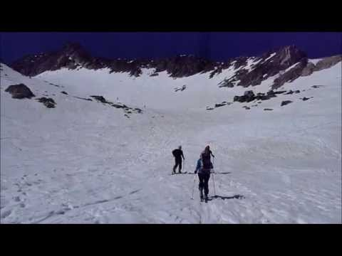 Ascensión y descenso con esquís del Pico de Alba