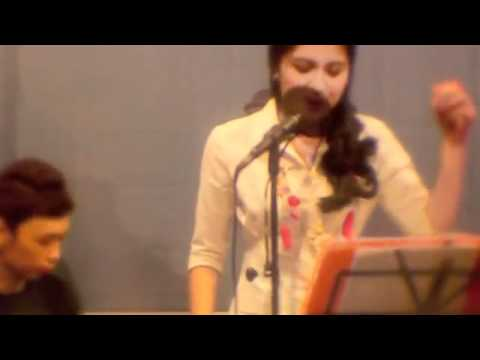 Nicki Minaj - Super Bass (Julie Anne   JAPS cover) USTREAM - HIGH QUALITY!! - YouTube.flv