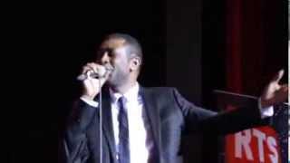 Sorano : Youssou Ndour Chante sa Mere Ndeye Sokhna Mboup Presente dans la salle